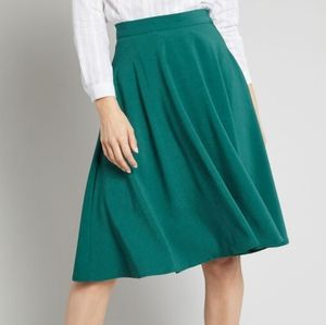 Modcloth Just This Sway Skirt in Emerald, M